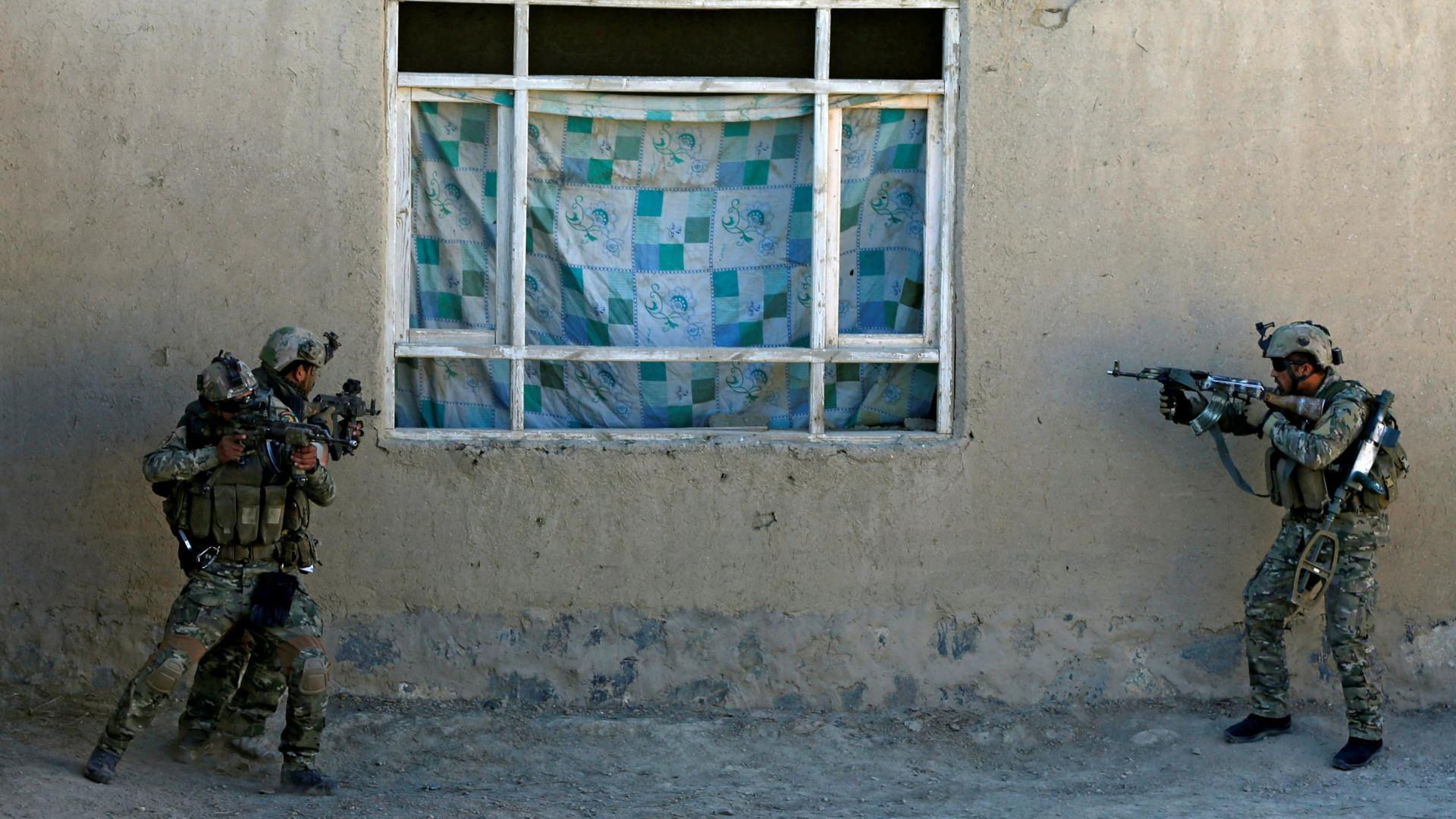 Pelo menos cinco mortos em ataque à bomba em casamento no Afeganistão