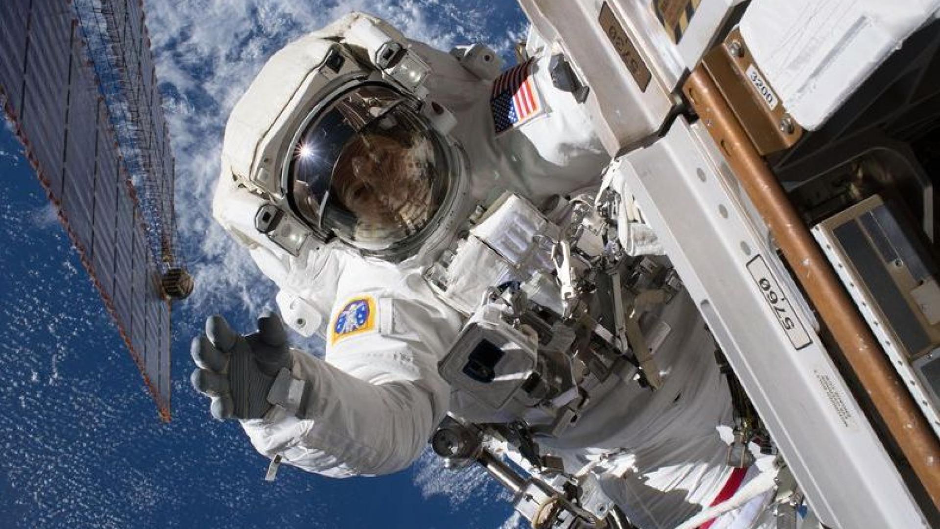 As melhores fotografias de astronautas em 'passeios espaciais'
