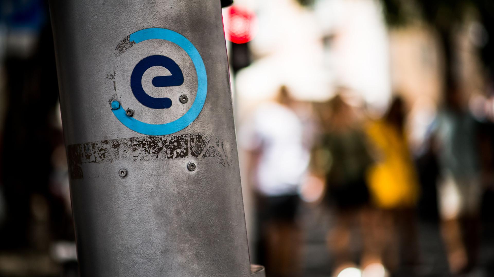 Comissão de Dados abre averiguação ao envio de SMS pela EMEL