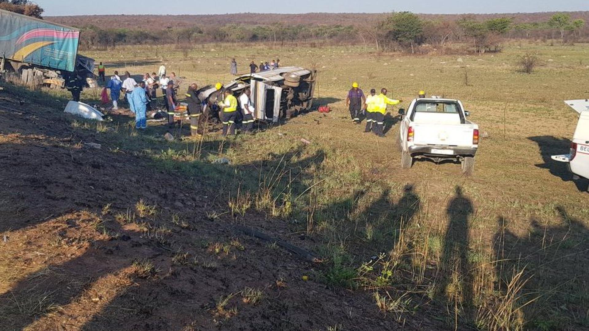 Acidente com vários veículos na África do Sul mata 27 pessoas