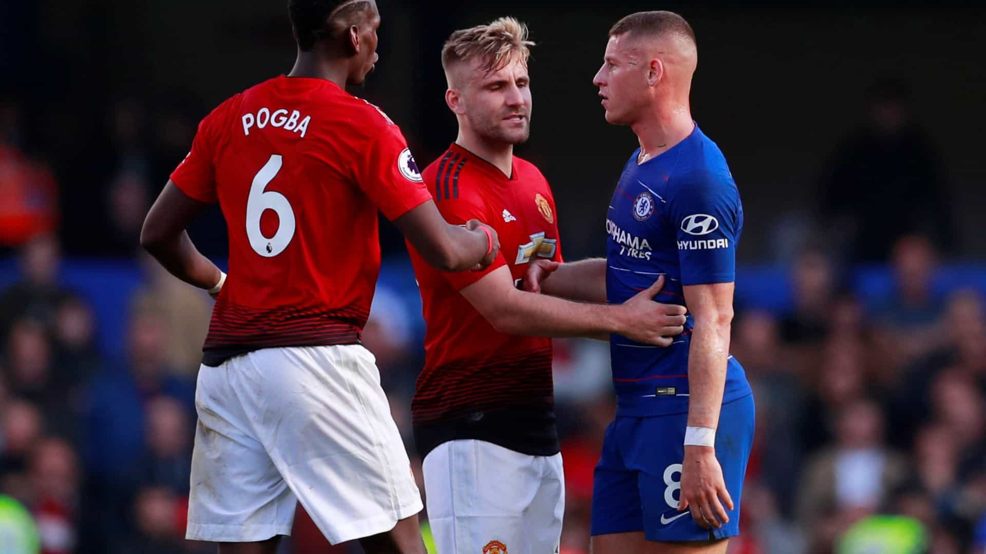 Barkley estraga 'cambalhota' de Mourinho no último minuto