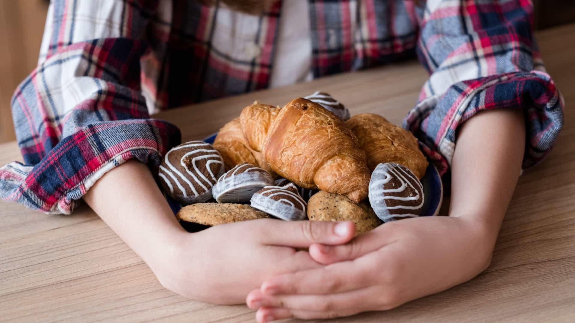 Cinco coisas que lhe acontecem ao corpo quando come demasiado