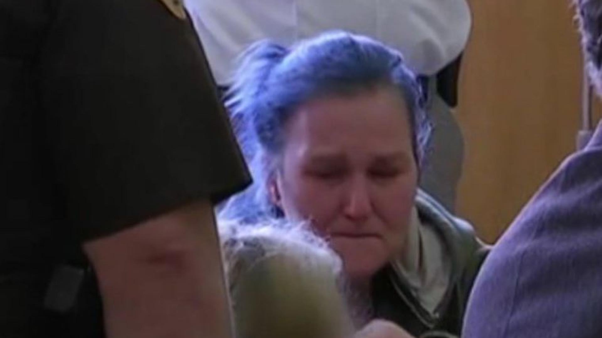 Menina de 10 anos julgada por homicídio de bebé de seis meses