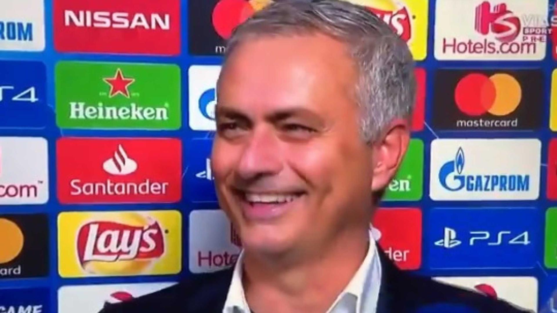 Após vitória em Turim, José Mourinho deixa 'farpa' à... Federação inglesa