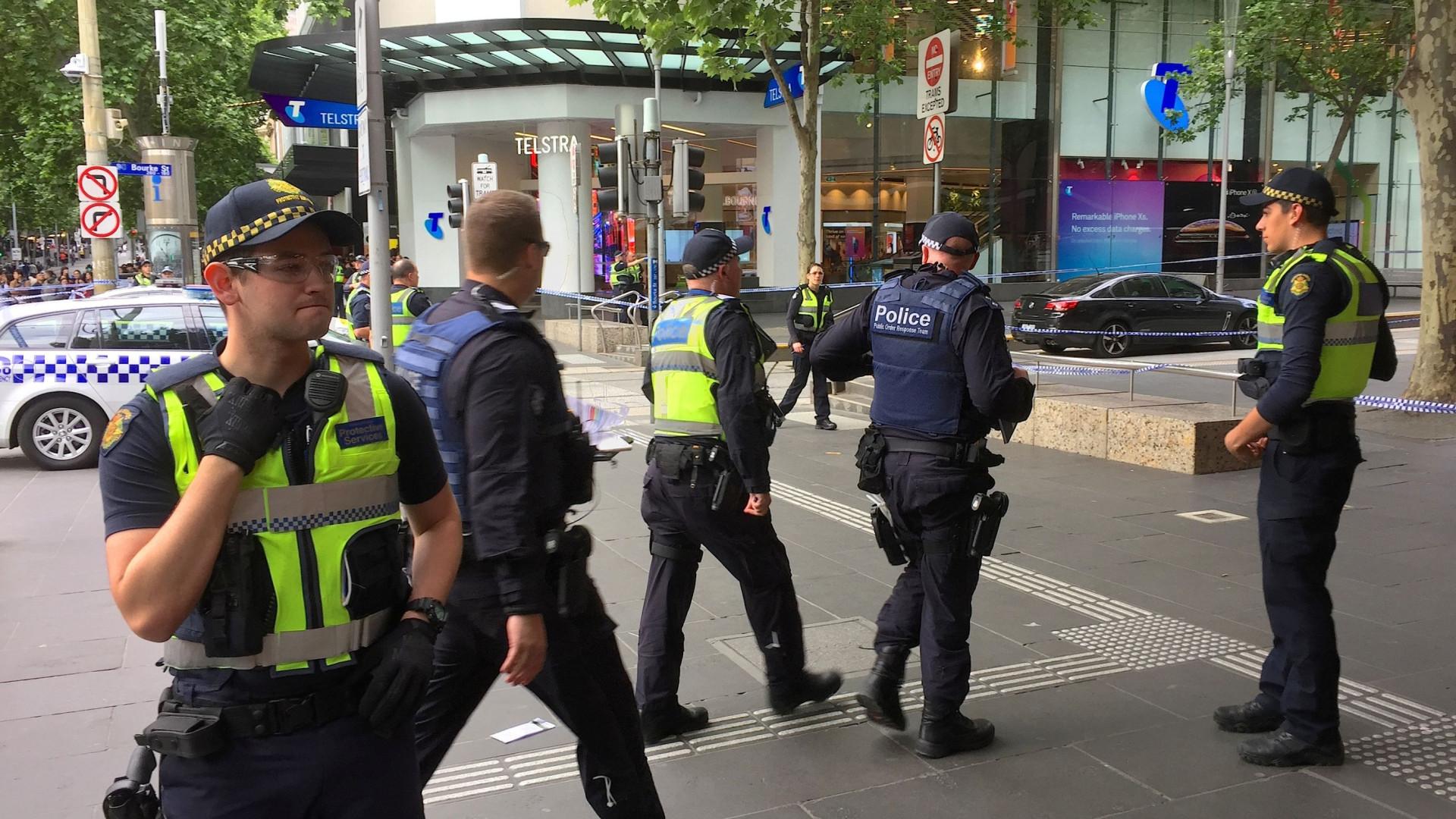 Esfaqueamento em Melbourne tratado por autoridades como terrorismo