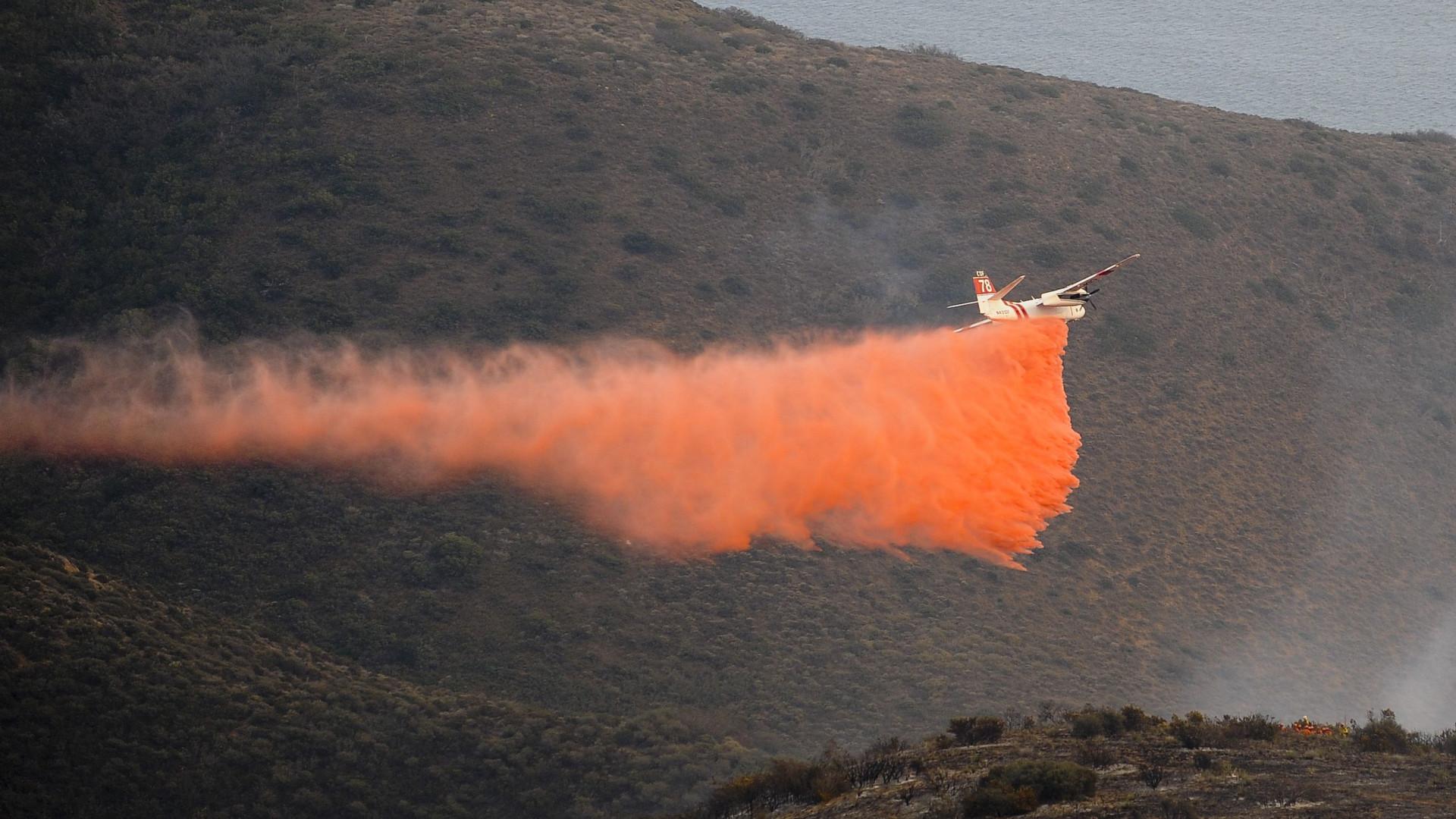 Incêndio leva a ordem de evacuação de Malibu, na Califórnia