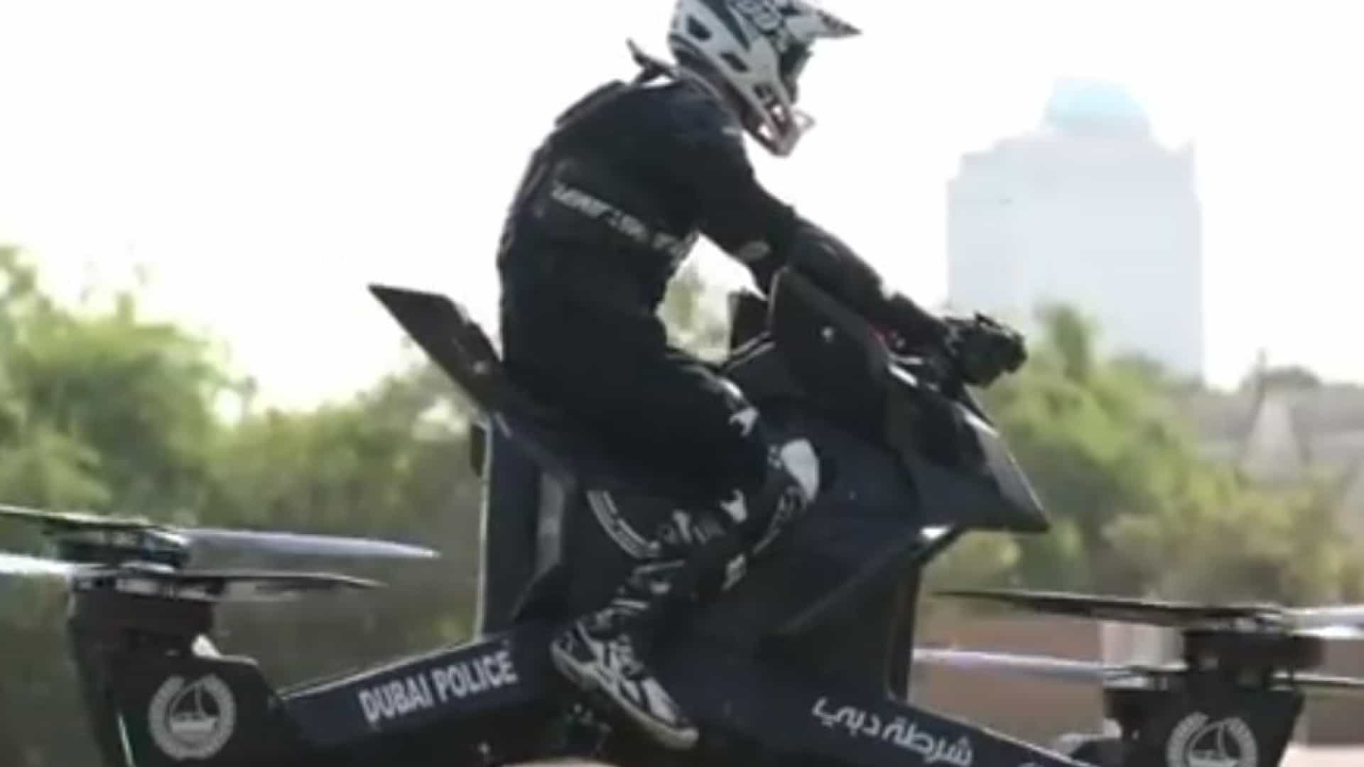 Polícia do Dubai já treina com motas voadoras