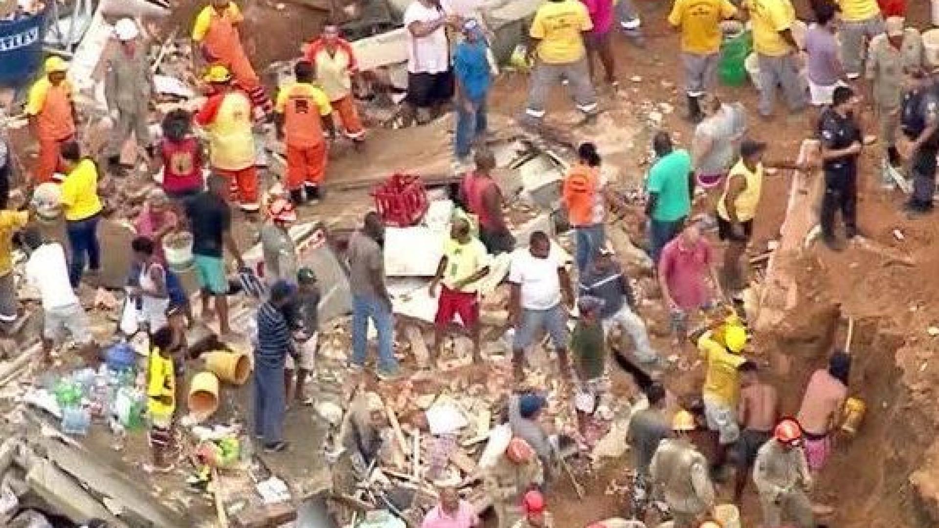 Deslizamento de terras faz, pelo menos, nove mortos no Rio de Janeiro