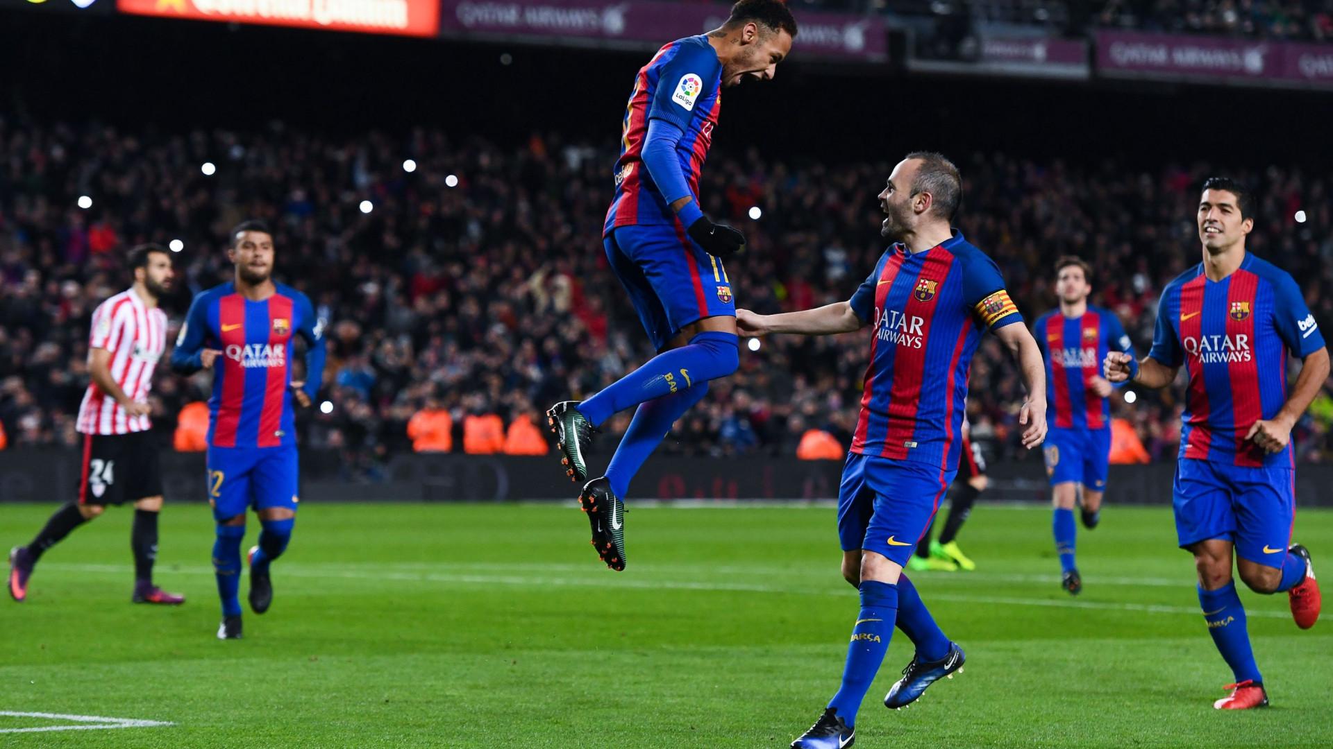 Iniesta 'autoriza' Neymar a vestir a camisola do... Real Madrid