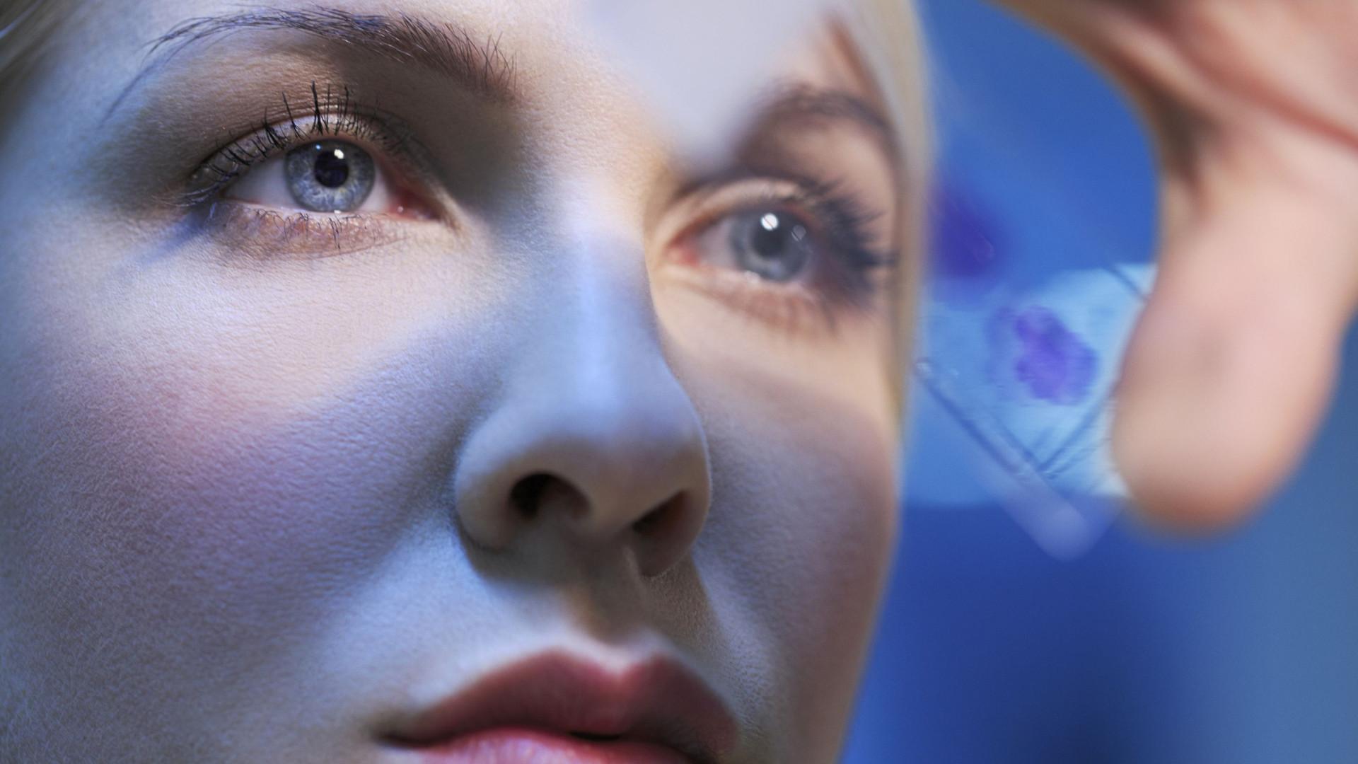 Cientistas desenvolvem vírus 'inteligente' que mata células cancerígenas