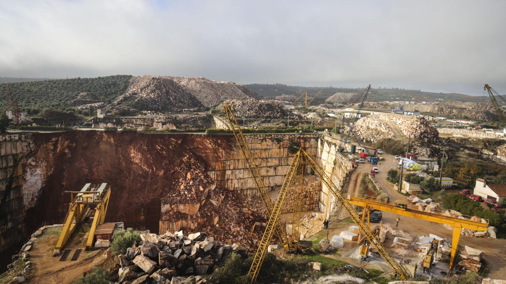 Geólogos alertam para risco de desabamento do restante troço da EN255