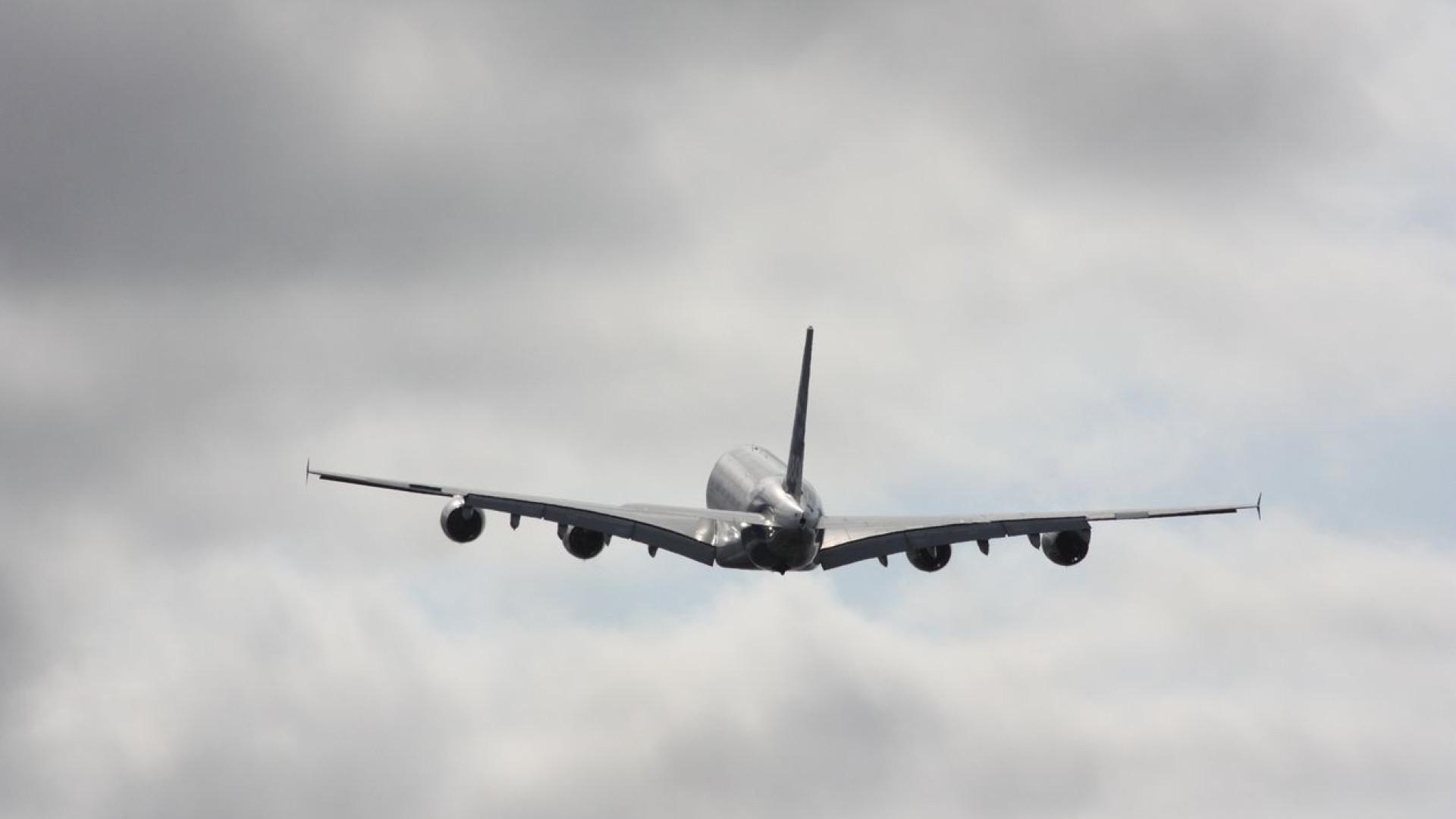 Belfast: Voo colocado em perigo por erro dos pilotos ao inserir dados