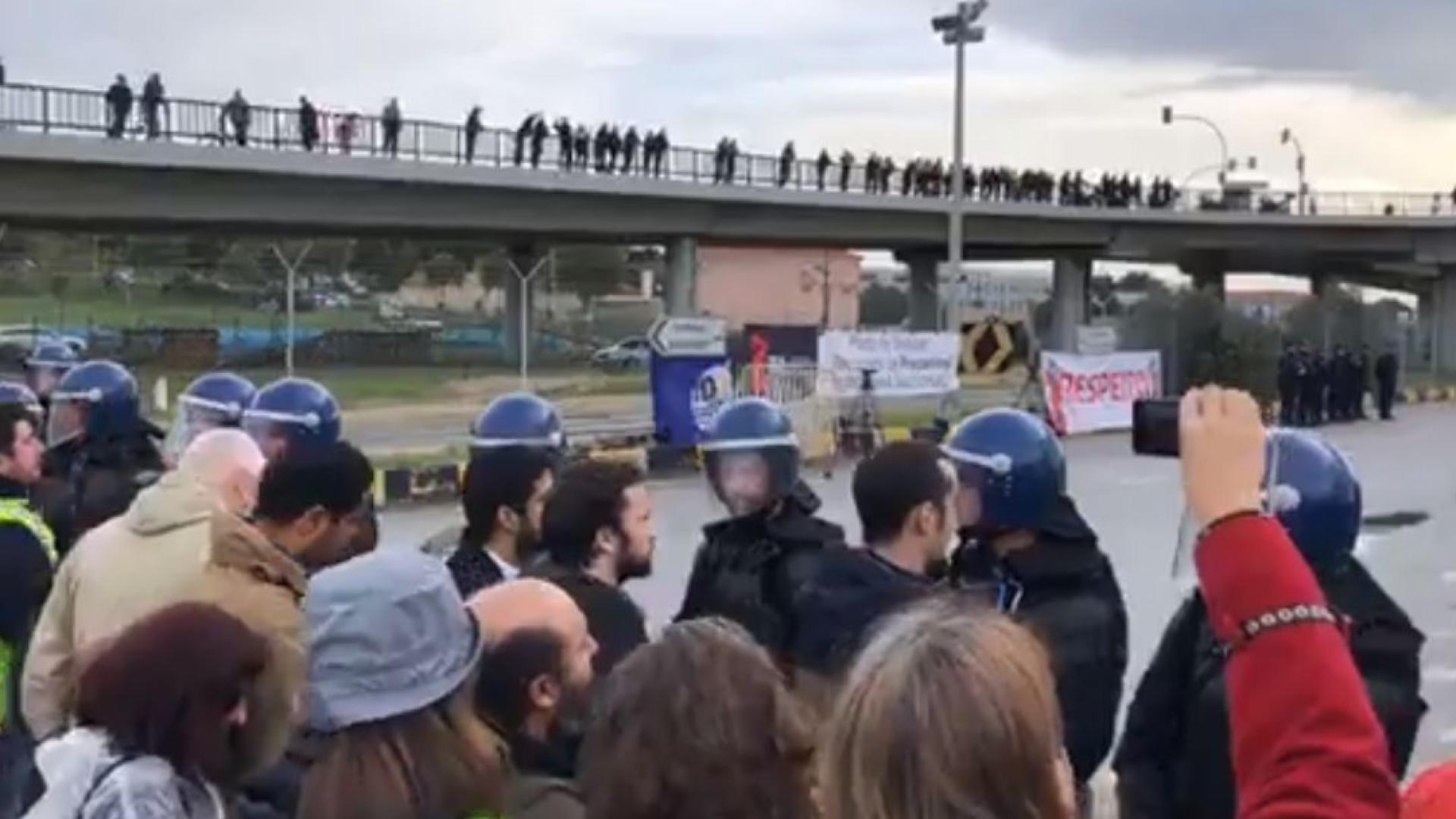 Porto de Setúbal parado há um mês devido a protesto dos estivadores