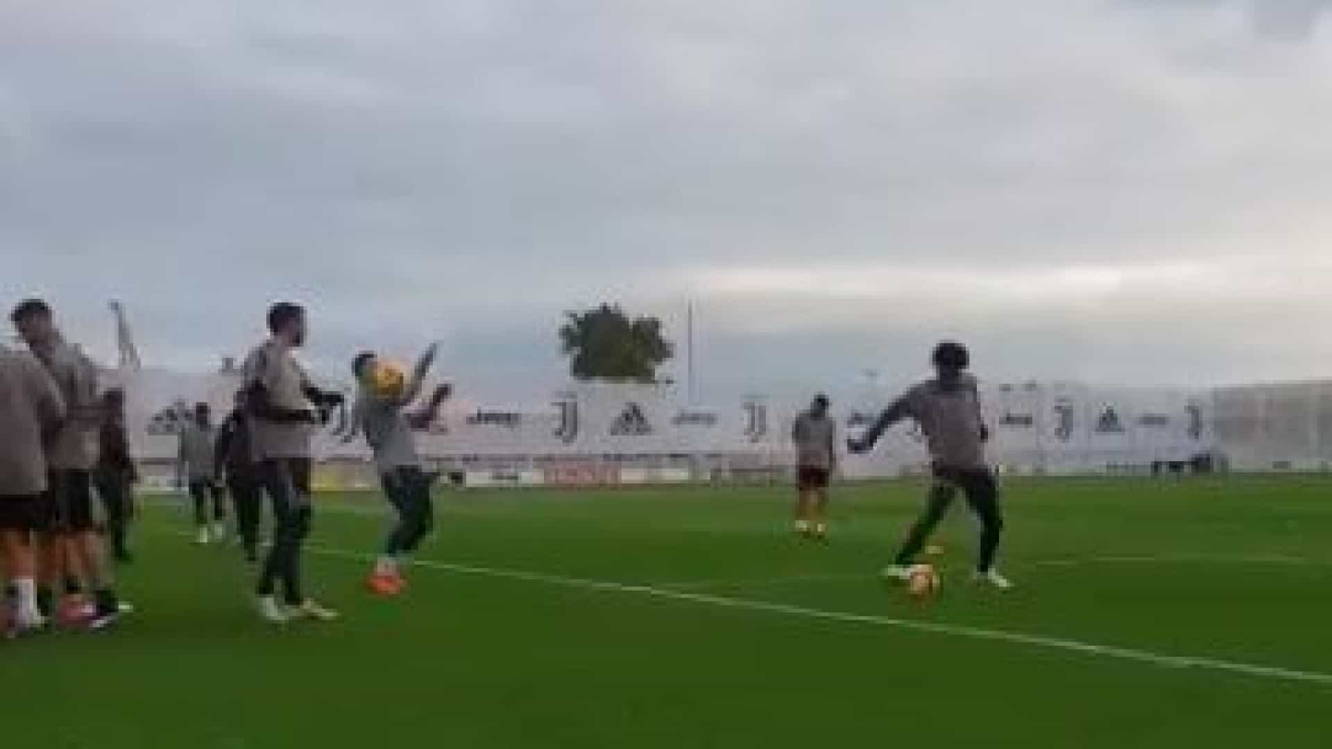 Mais um treino da Juventus 65491d391fd0f