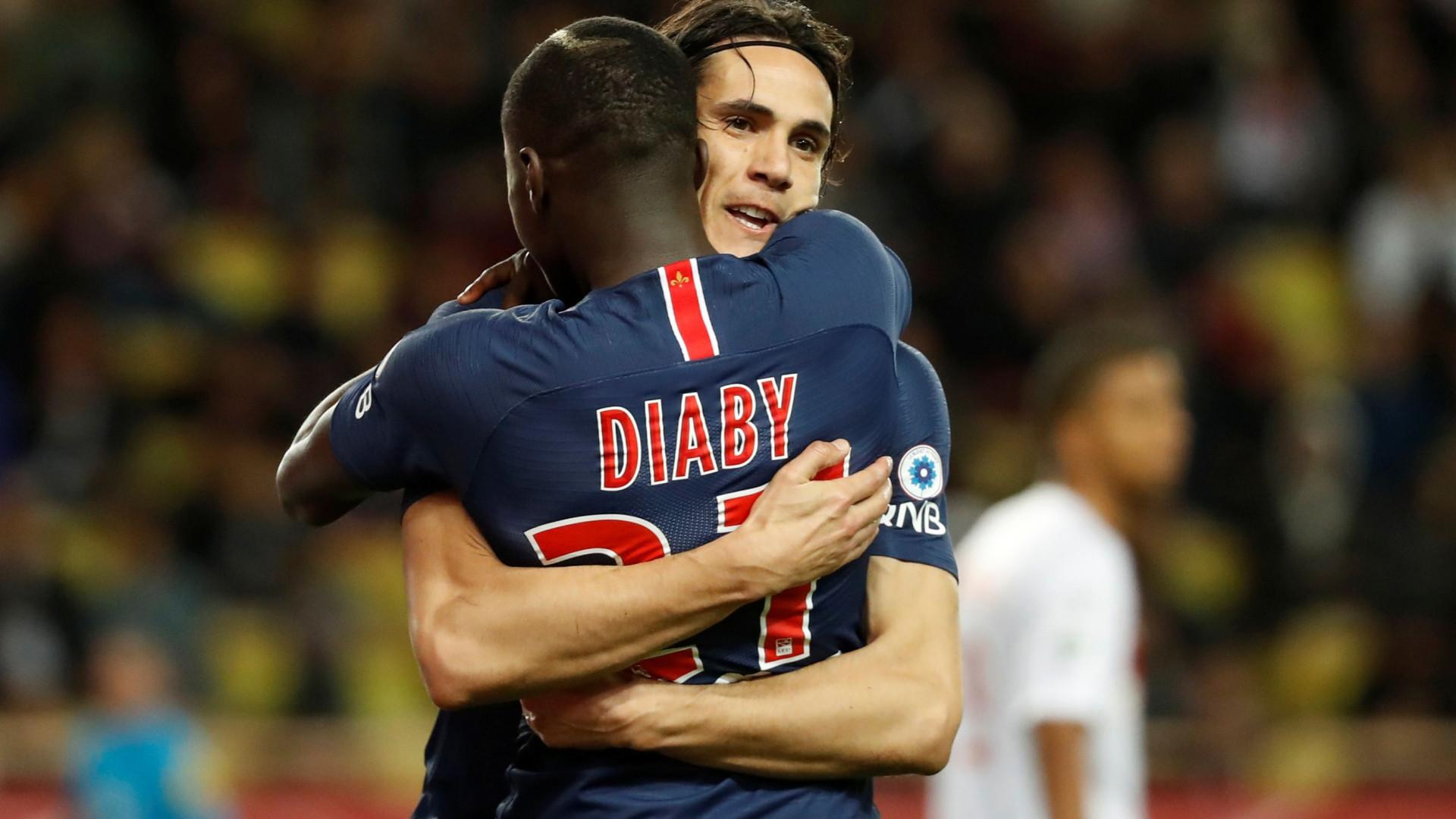 Liga francesa adia seis jogos devido ao movimento dos 'coletes amarelos'