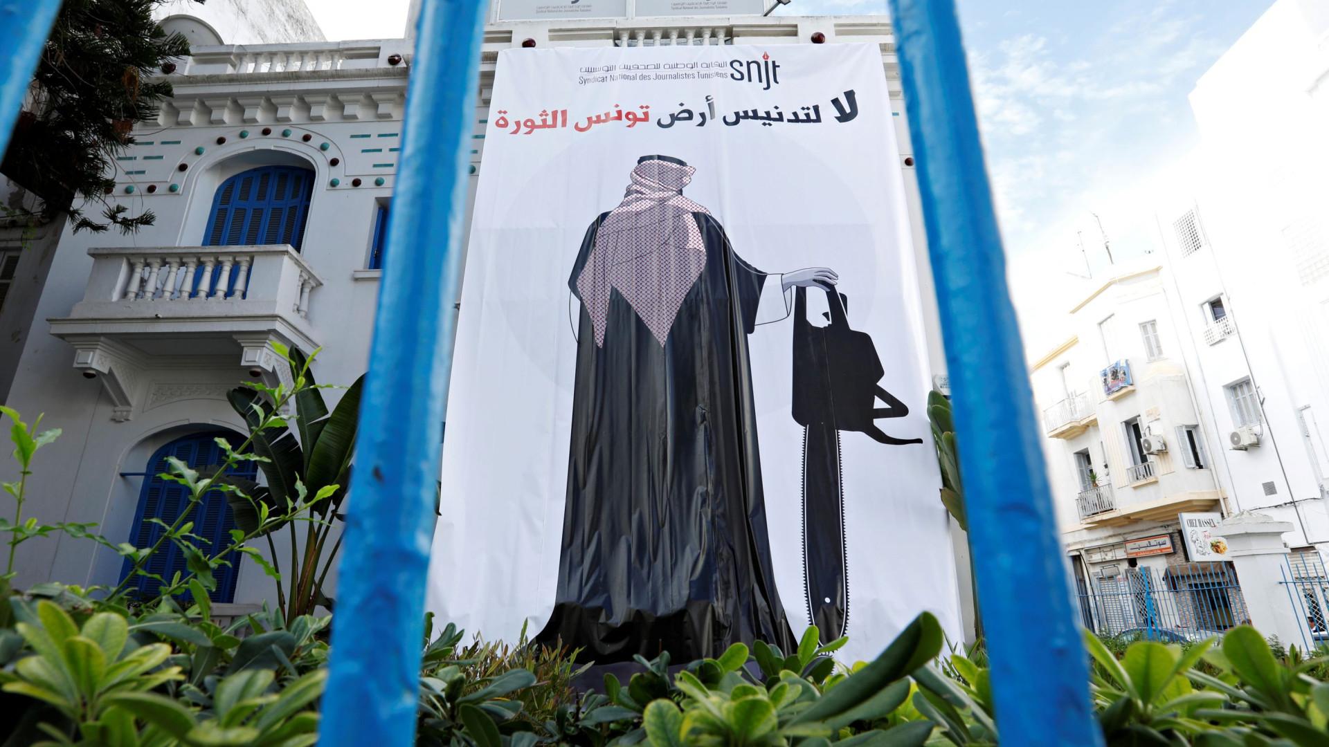 Sociedade civil tunisina contra visita do príncipe herdeiro saudita
