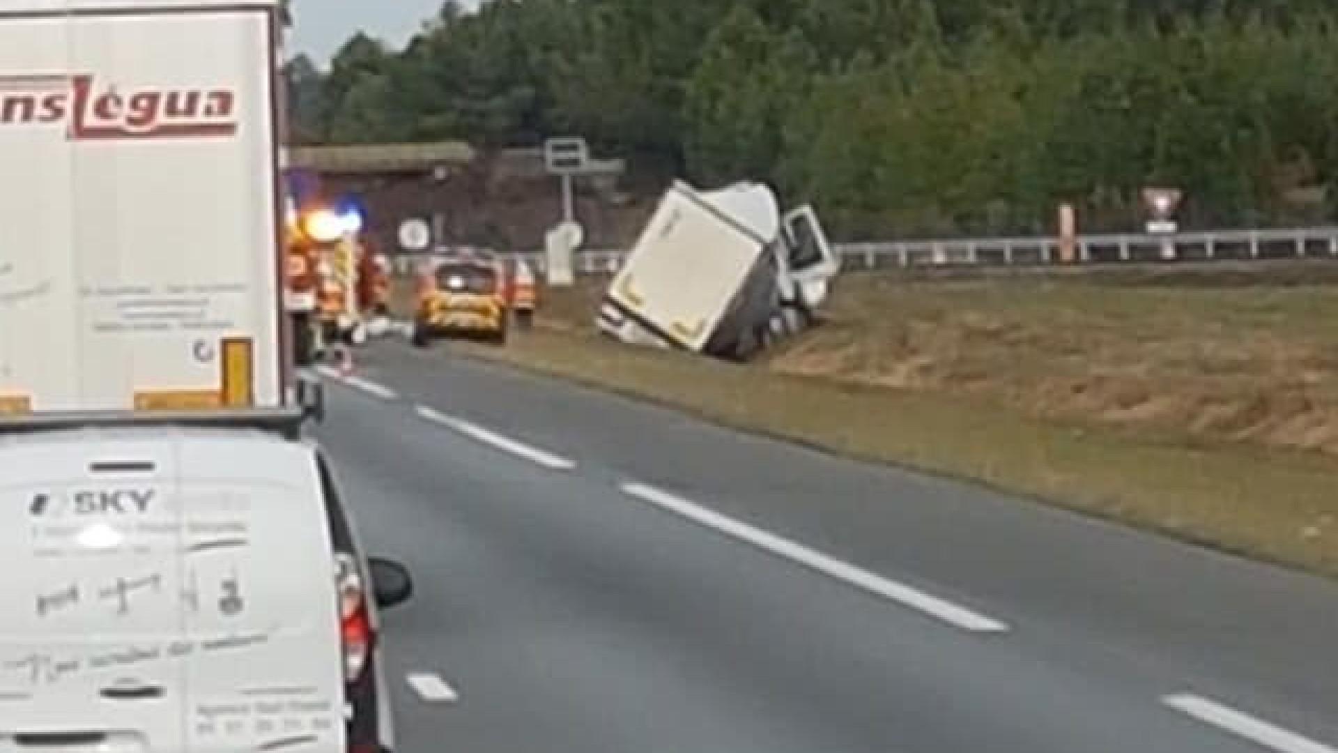 Motorista português ferido com gravidade em acidente em França
