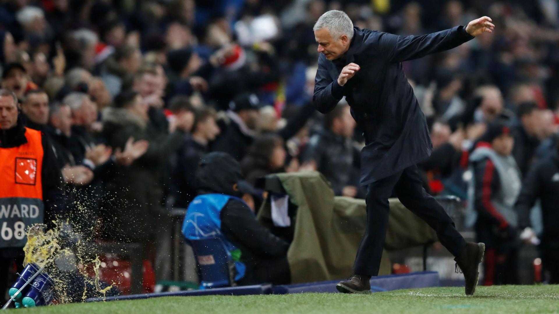 """""""José Mourinho é insuportável. Ele devastou o clube"""""""