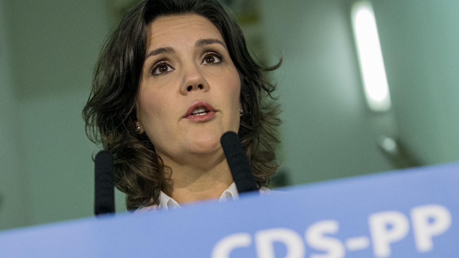 """CDS quer """"rejuvenescer parlamento"""" nas legislativas"""