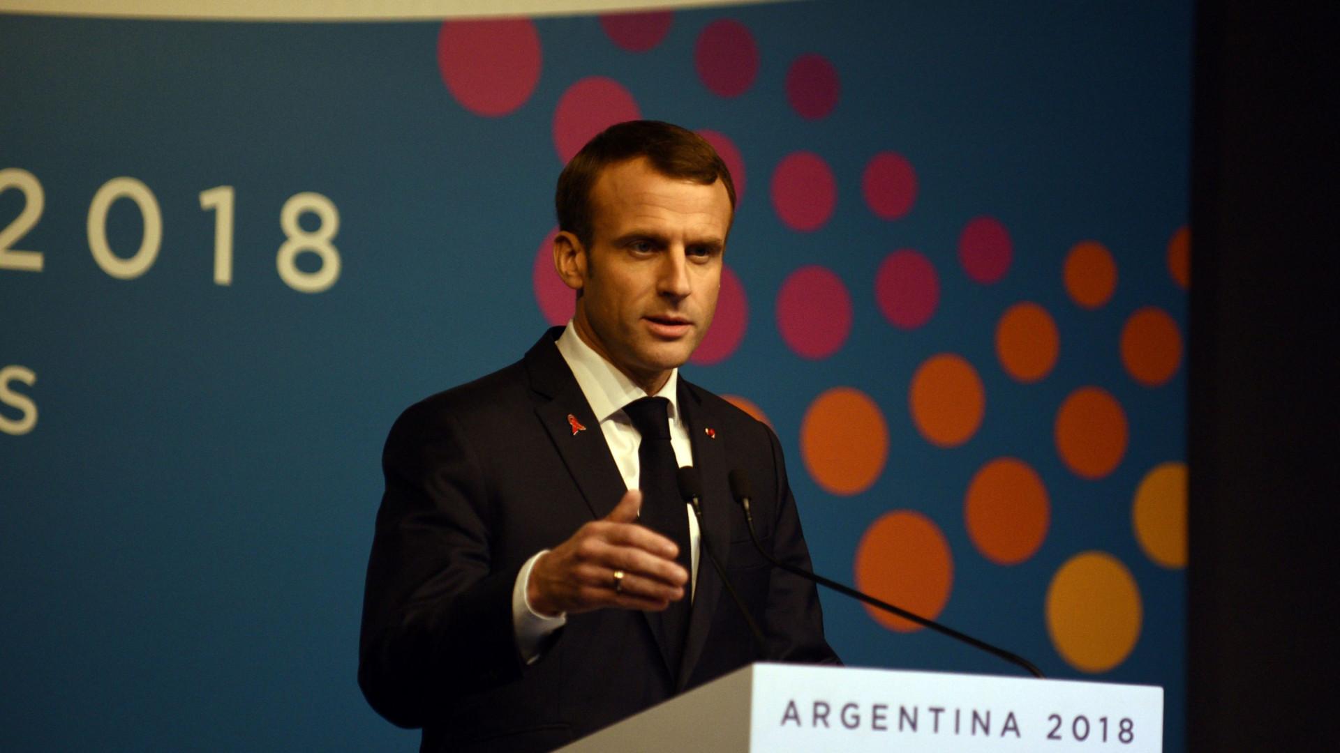 """É preciso """"recuperar a unidade nacional"""", diz primeiro-ministro francês"""