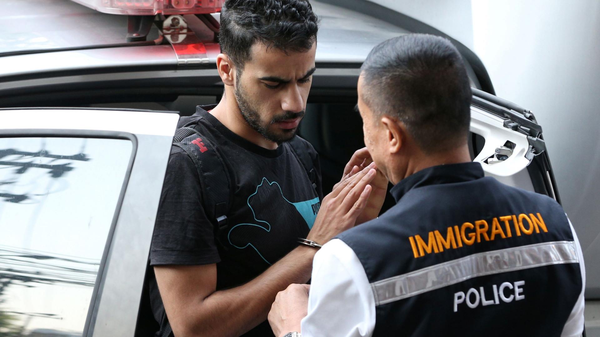 Tribunal tailandês liberta jogador de futebol do Bahrein refugiado