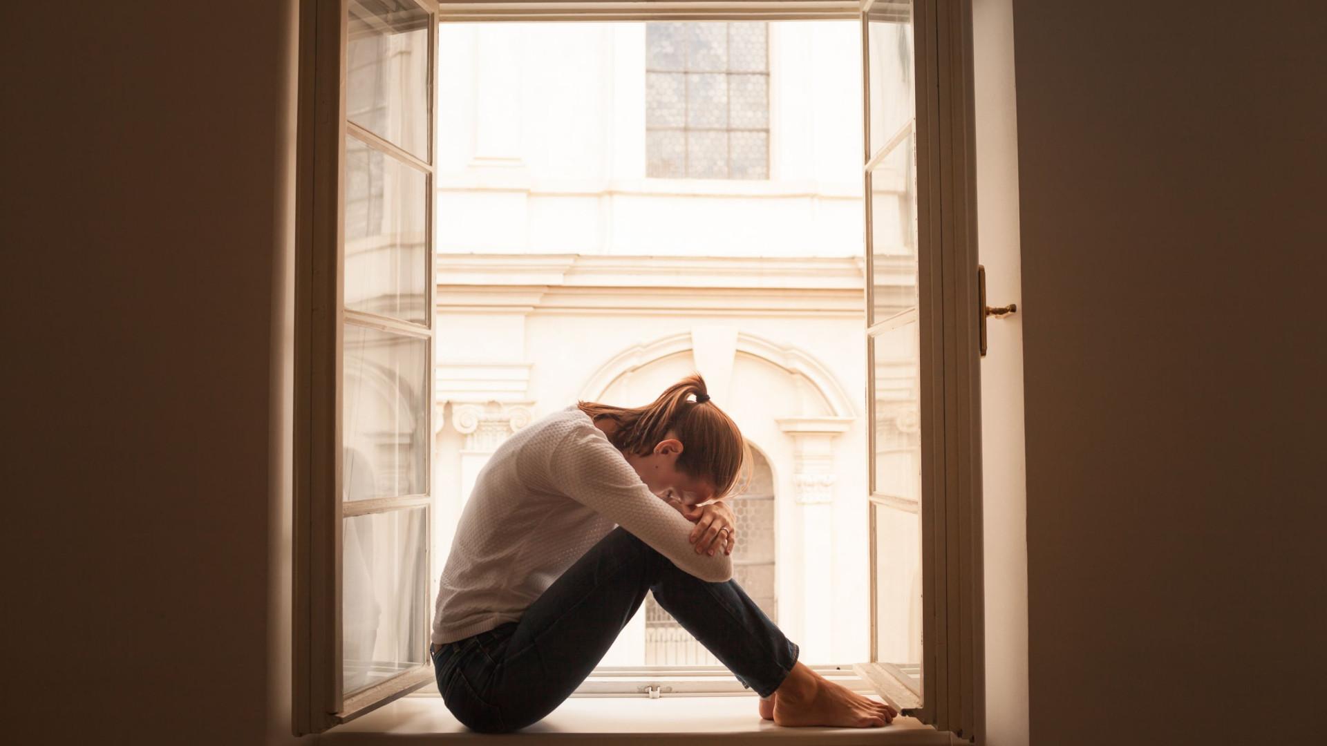 Mente sobre a matéria? Nove sintomas de ansiedade a ter em atenção