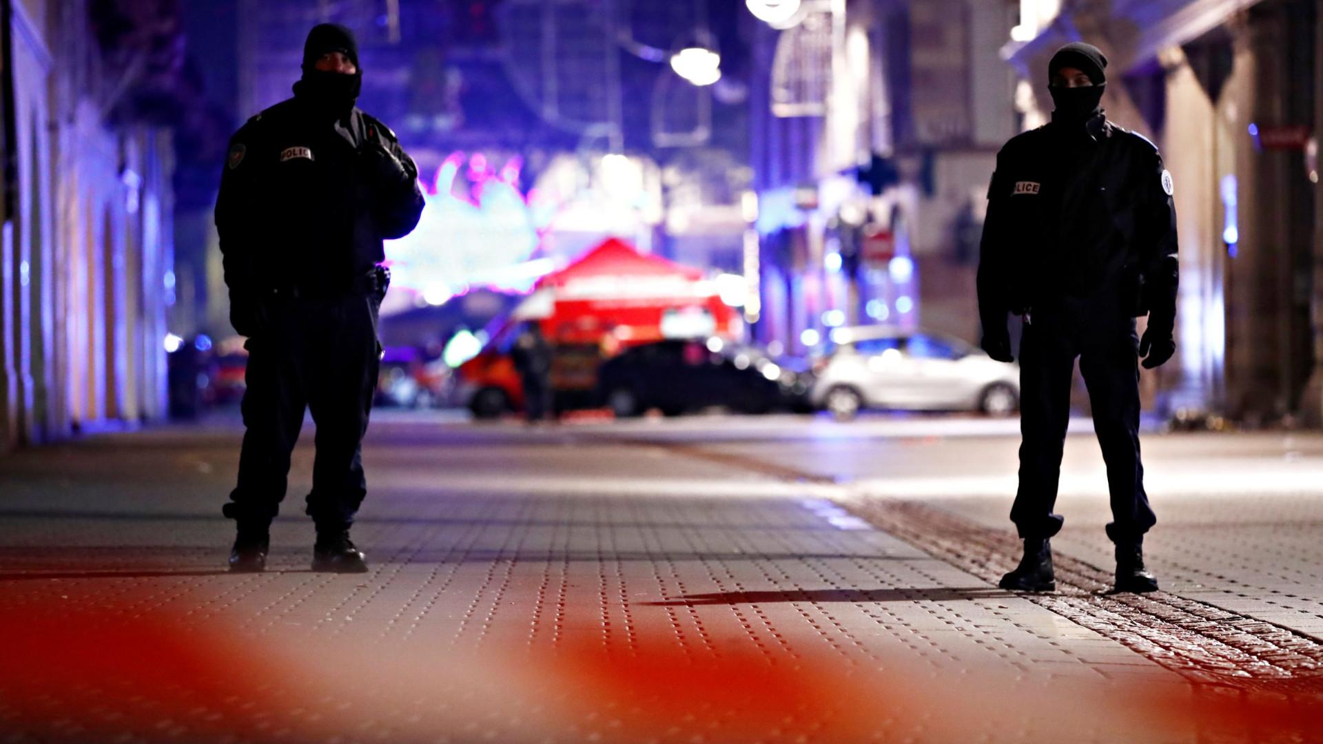 """Estrasburgo: França quer apanhar atirador. """"Não importa"""" se vivo ou morto"""