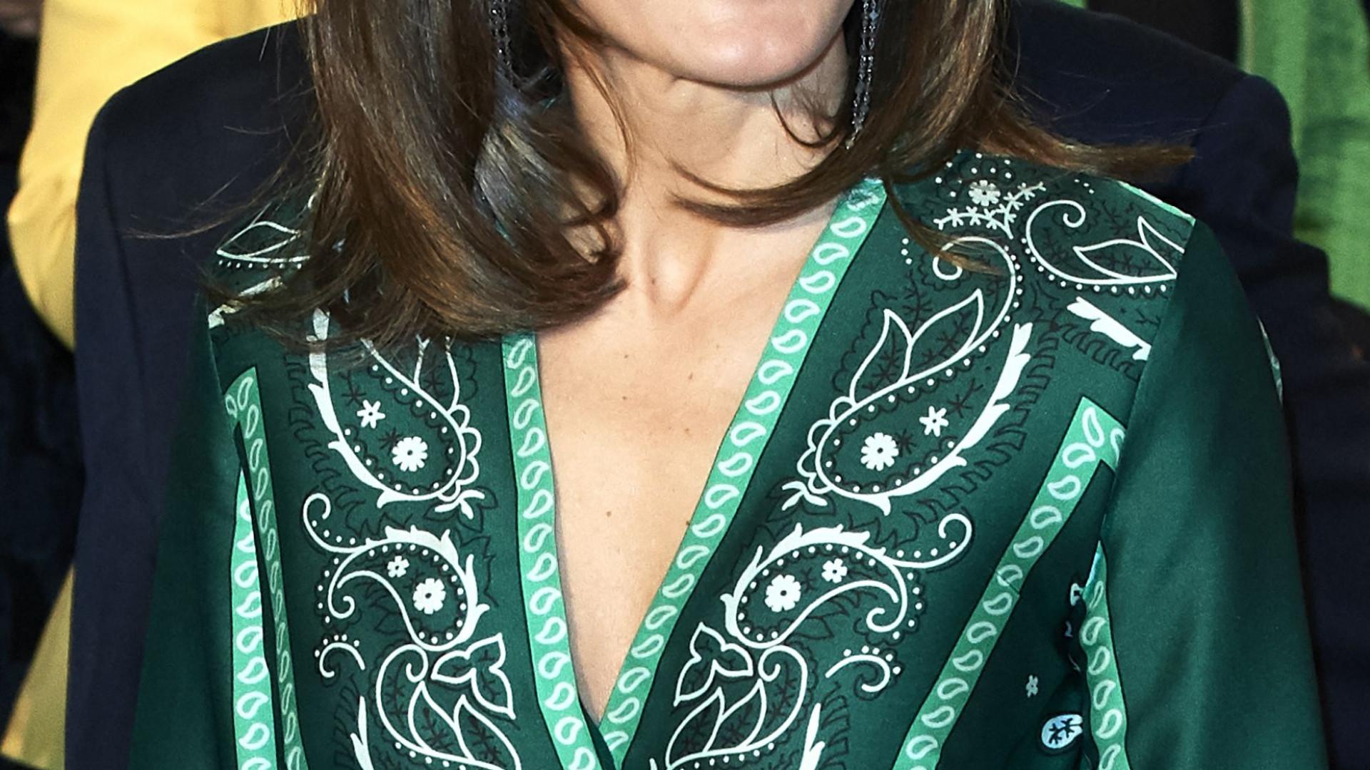 Rainha Letizia encanta com vestido verde