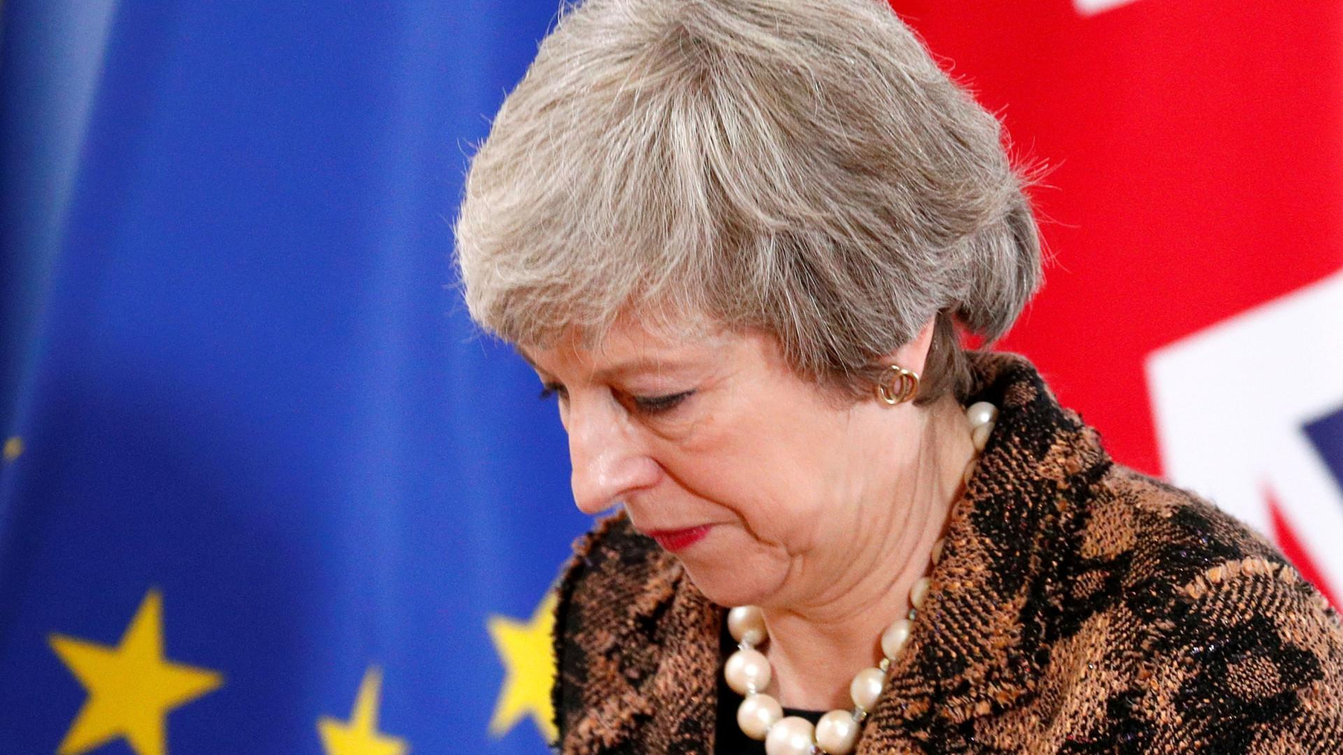 May recebeu garantias da UE e vai apresentá-las hoje no parlamento