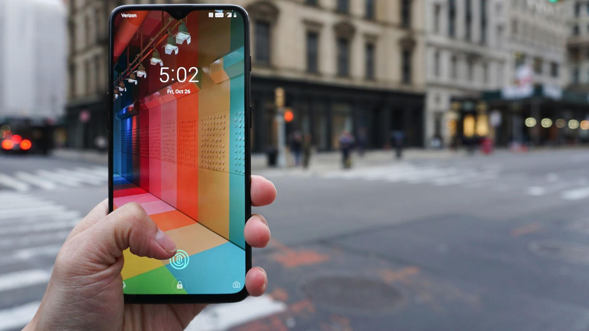 Os smartphones com preço 'acessível' de 2018 que vai querer considerar
