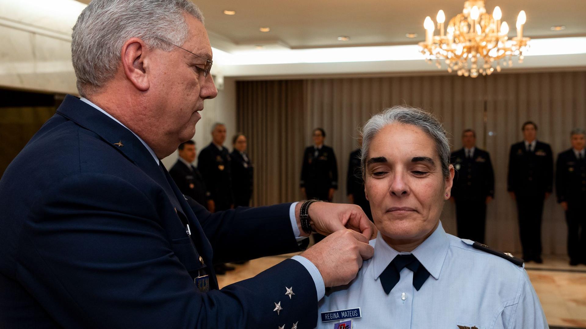 Primeira Oficial-General das Forças Armadas já assumiu o cargo