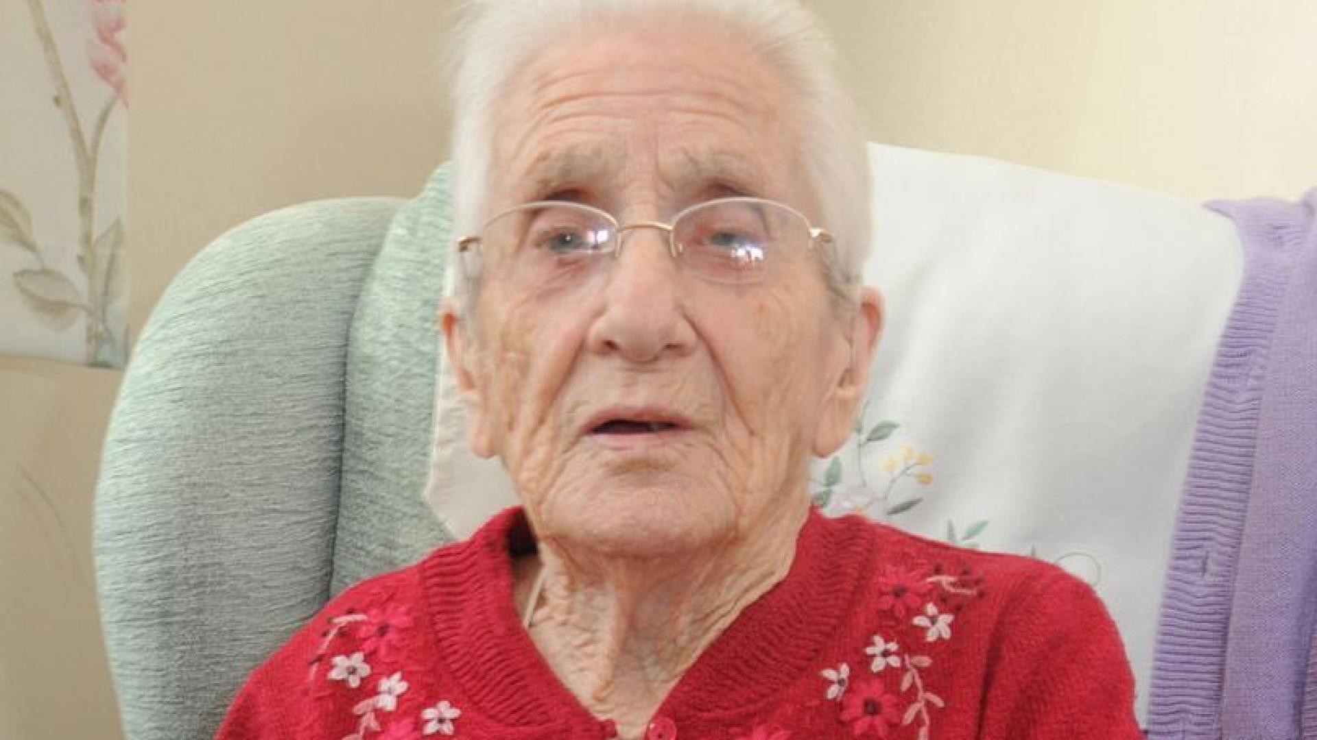 Aos 99 Anos Recebe Carta De Amor Que Lhe Foi Enviada H Sete Dcadas