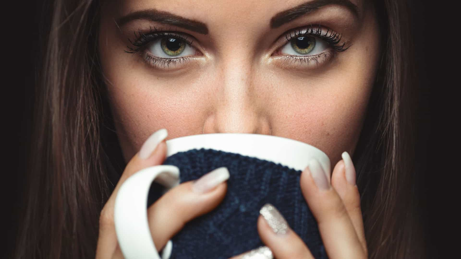 Bom dia! Beber três chávenas de café melhora qualidade do sexo
