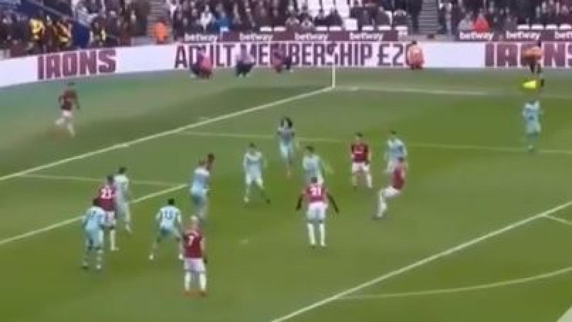 Remate espontâneo de Rice resulta em golo do West Ham frente ao Arsenal