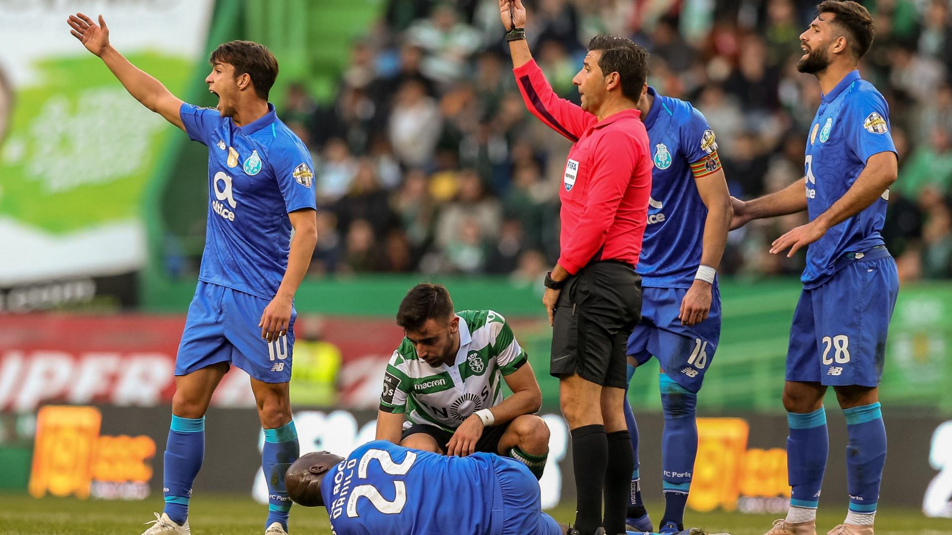 Danilo e Maxi: FC Porto revela extensão da lesão de médio e defesa