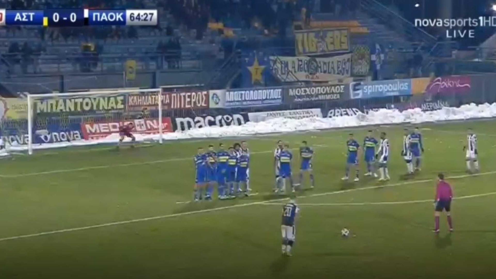 Vieirinha marca livre absolutamente sensacional na vitória do PAOK