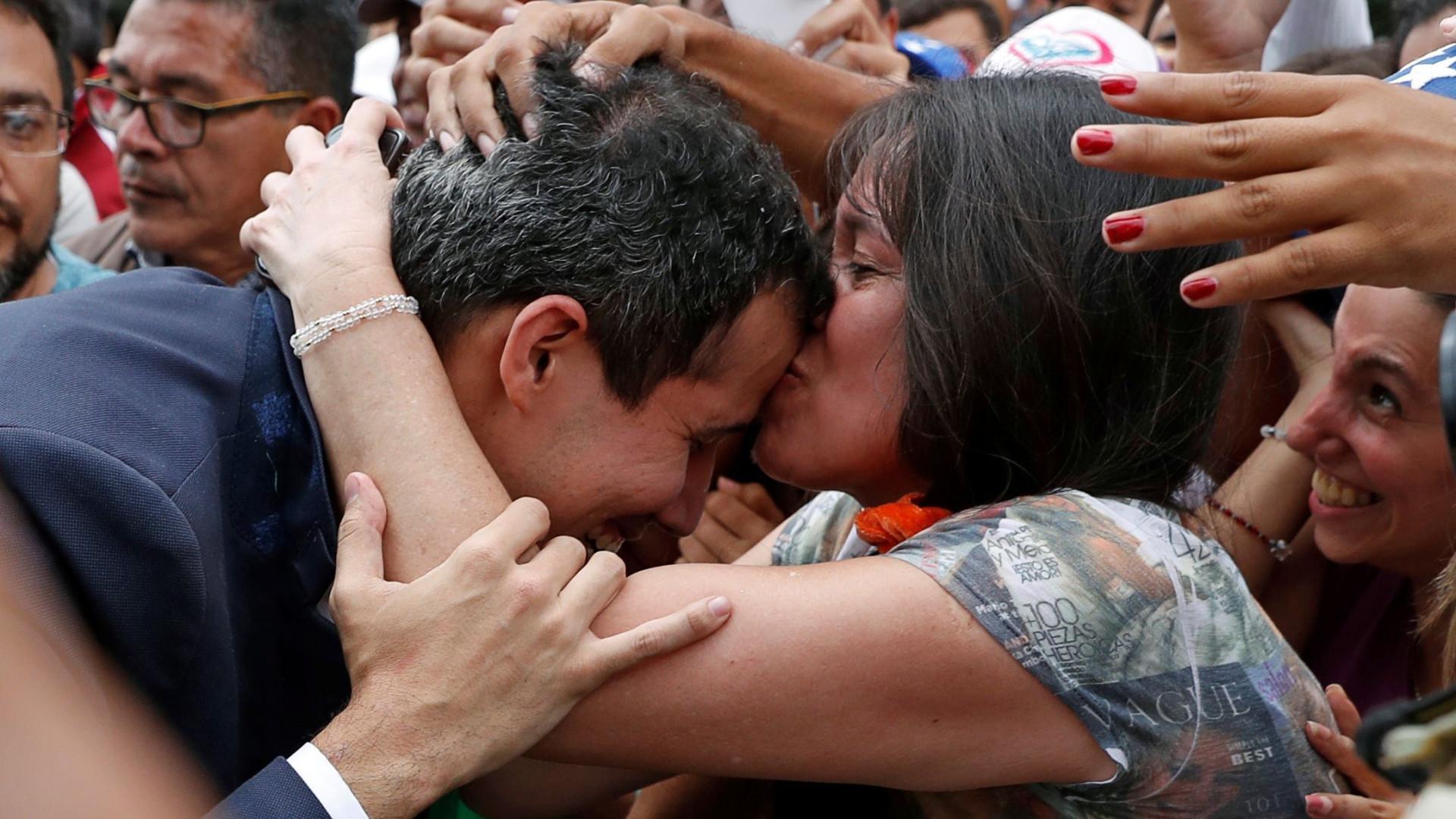 Venezuela: Parlamento nomeia vice-presidente e ministros de Guaidó