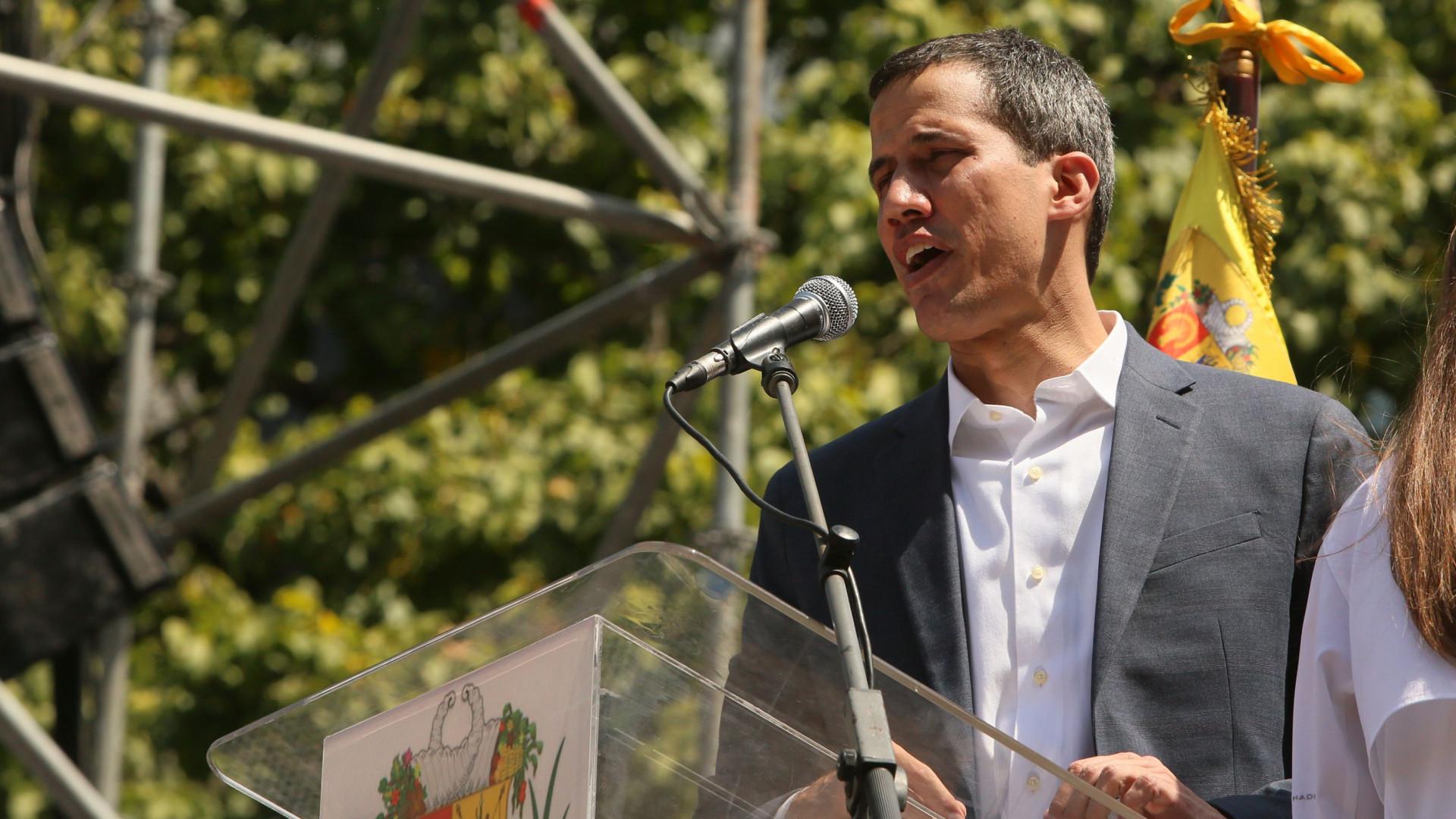 Guaidó anuncia entrega de primeiro carregamento com ajuda humanitária