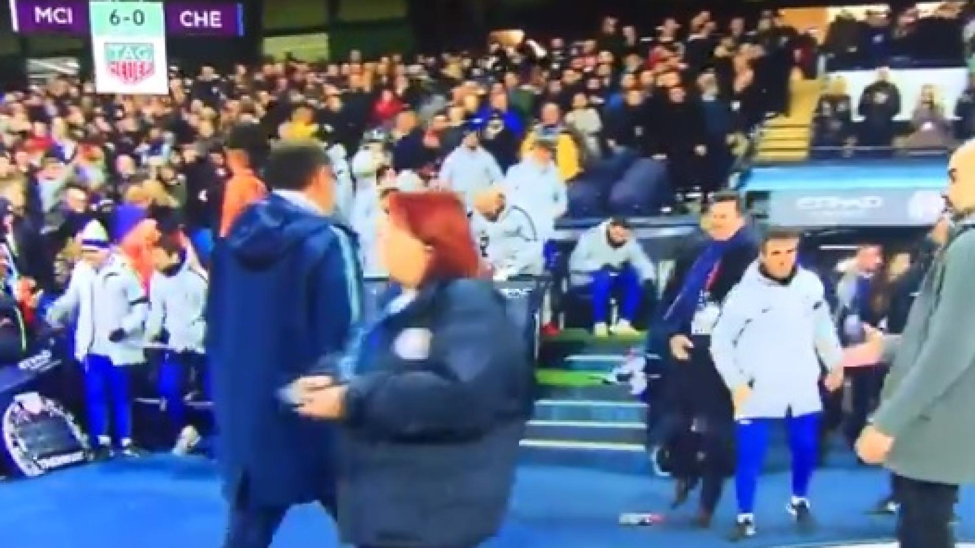 Depois dos 6-0, Sarri deixou Guardiola de mão pendurada