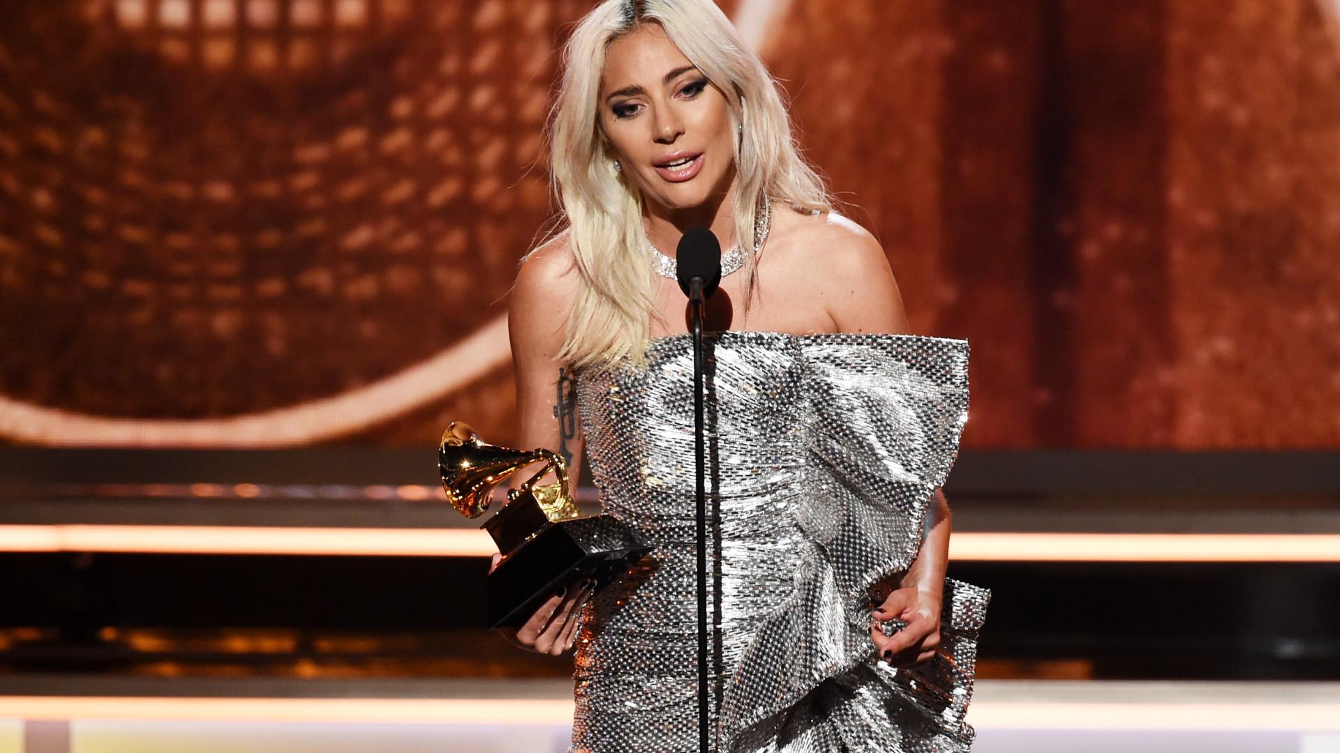 """""""Temos de tomar conta uns dos outros"""", diz Lady Gaga em discurso"""