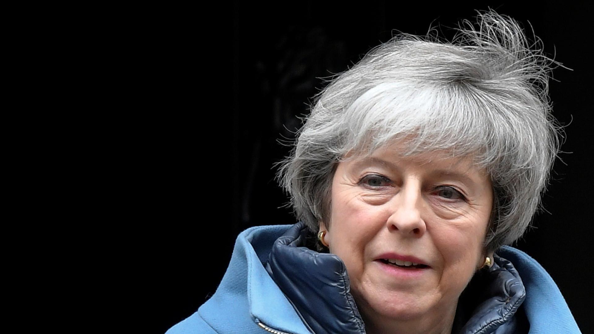 Theresa May pede mais tempo aos deputados para negociar com a UE