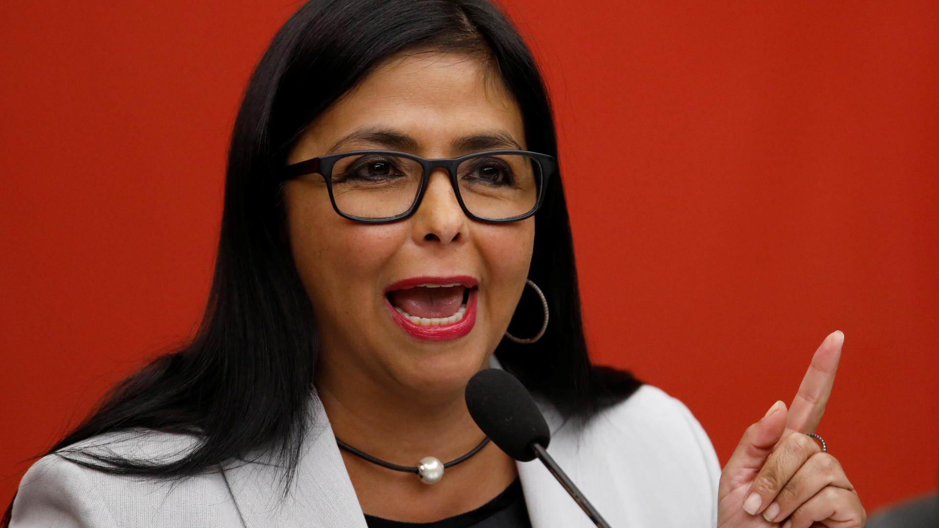 """Vice venezuelana: Ajuda humanitária dos EUA """"é cancerígena"""""""