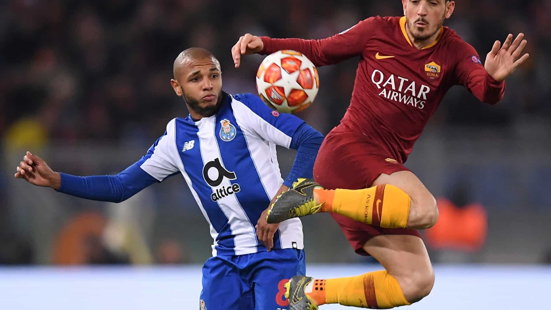 Brahimi fez tratamento e aumenta o lote de indisponíveis do FC Porto