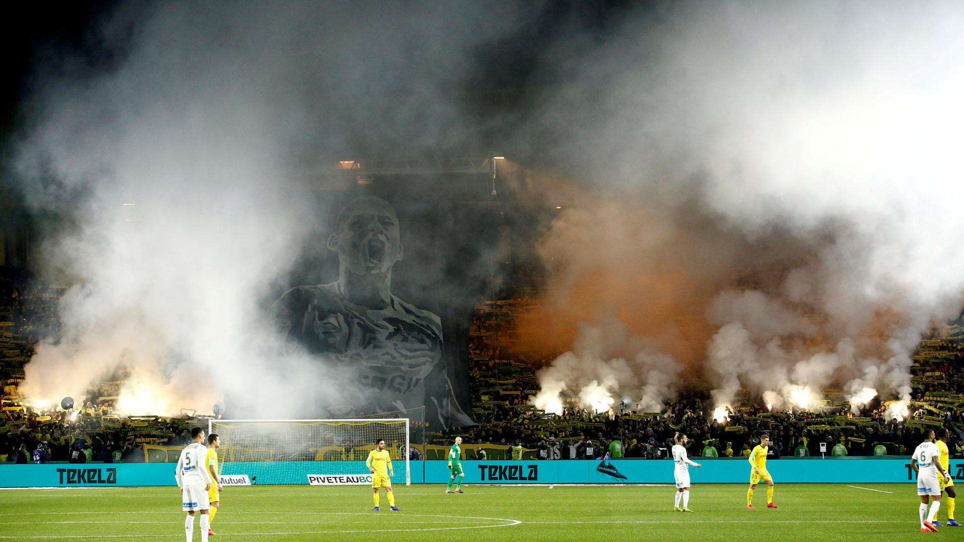 Saint-Étienne mantém lugar europeu, Nantes resiste com 10 e vence em Caen