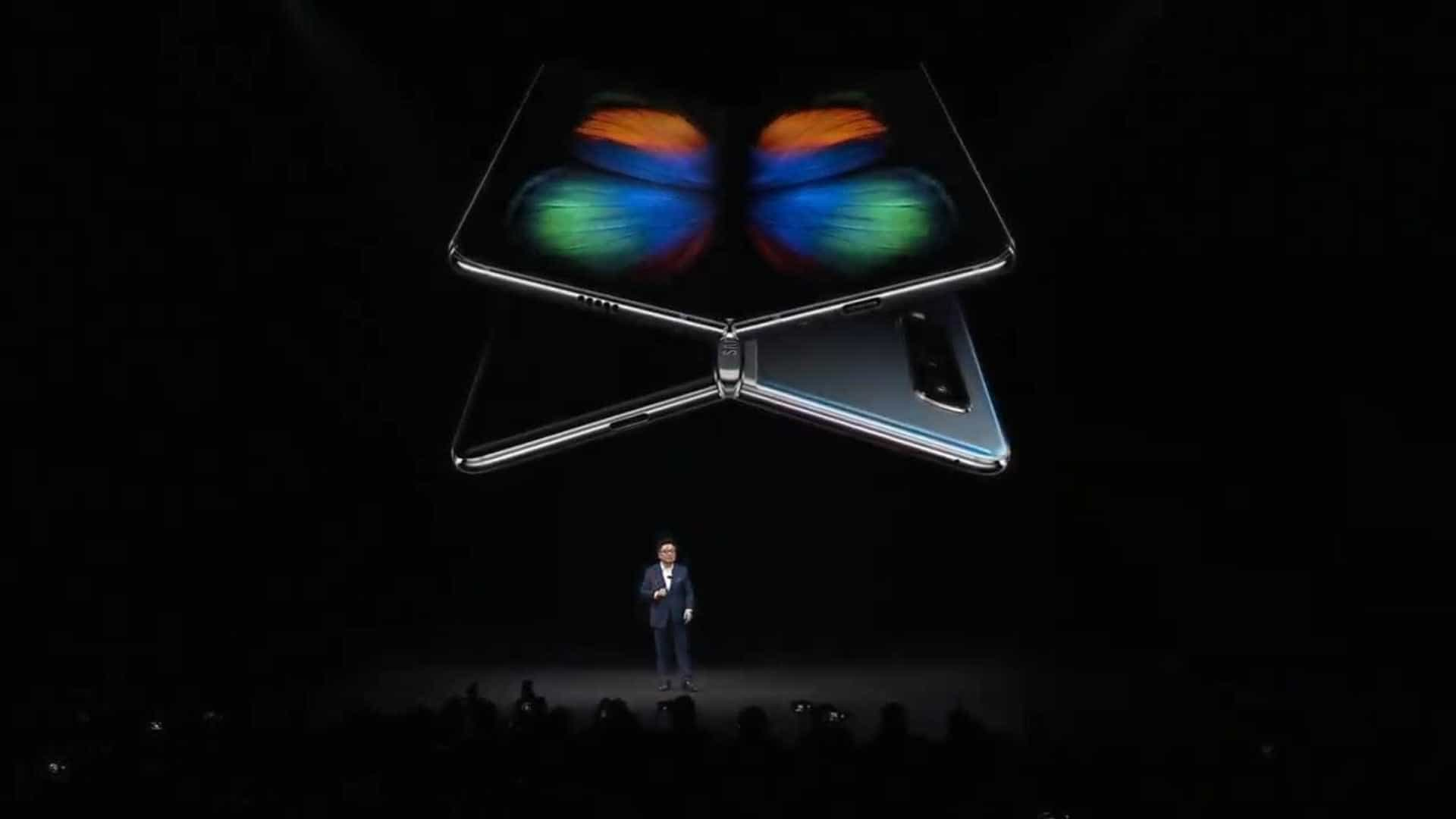 Como o Galaxy Fold representa um novo desafio para a Apple