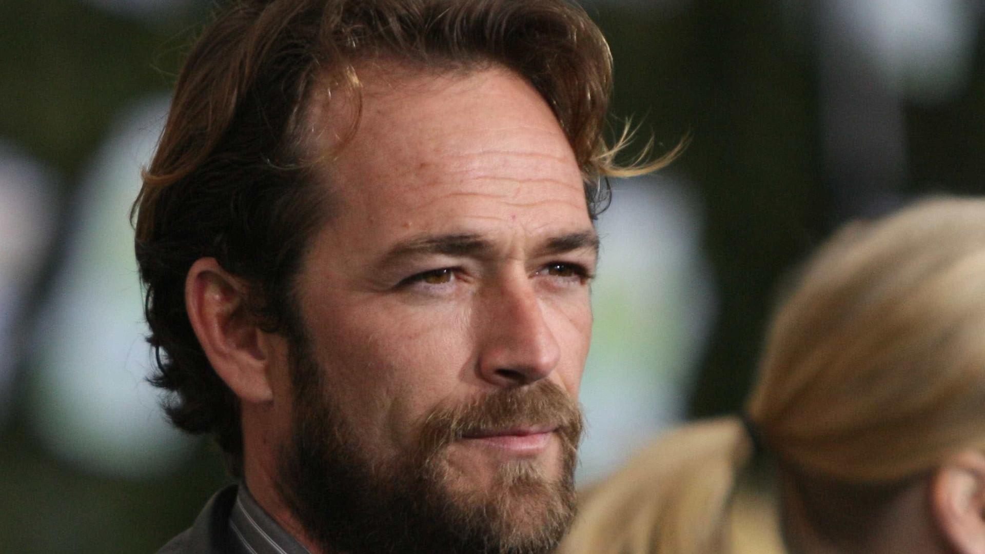 Luke Perry: Revelada causa da morte do ator de 'Febre em Beverly Hills'
