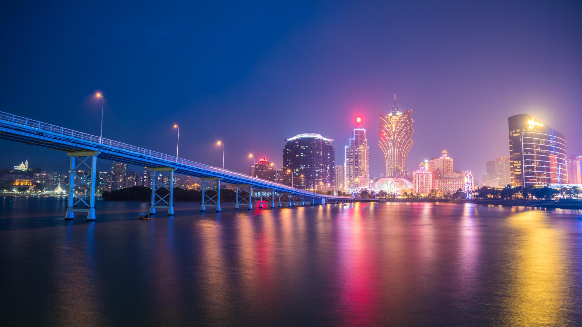 Viagem a portos asiáticos que contam rota marítima portuguesa