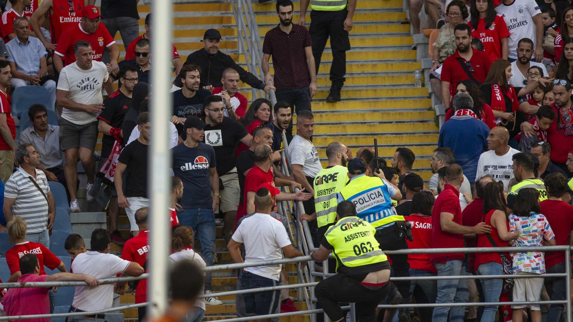 Desacatos em Coimbra: Adepto do Benfica internado com fratura na coluna