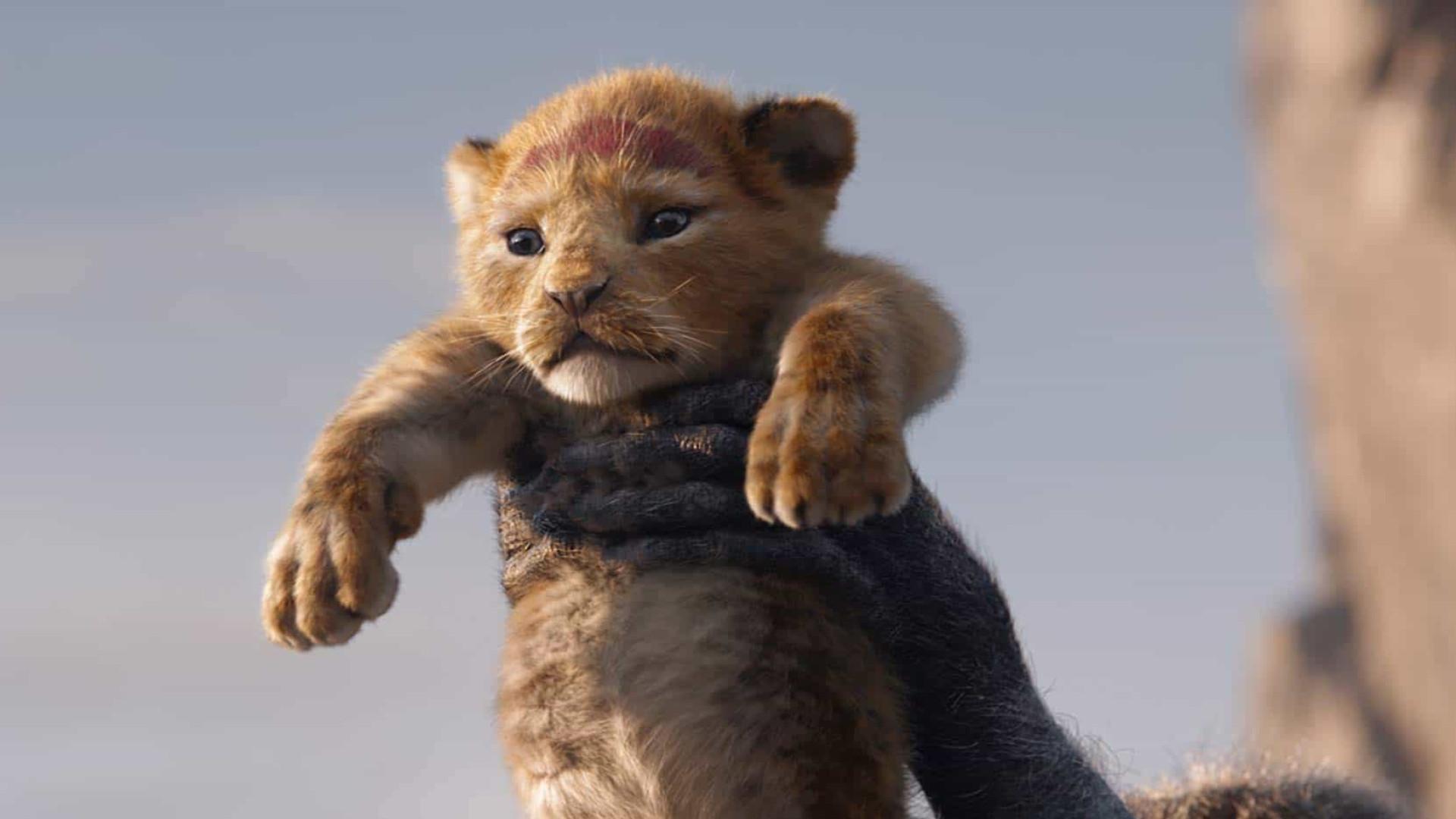 'O Rei Leão' já cravou as garras na liderança do box-office
