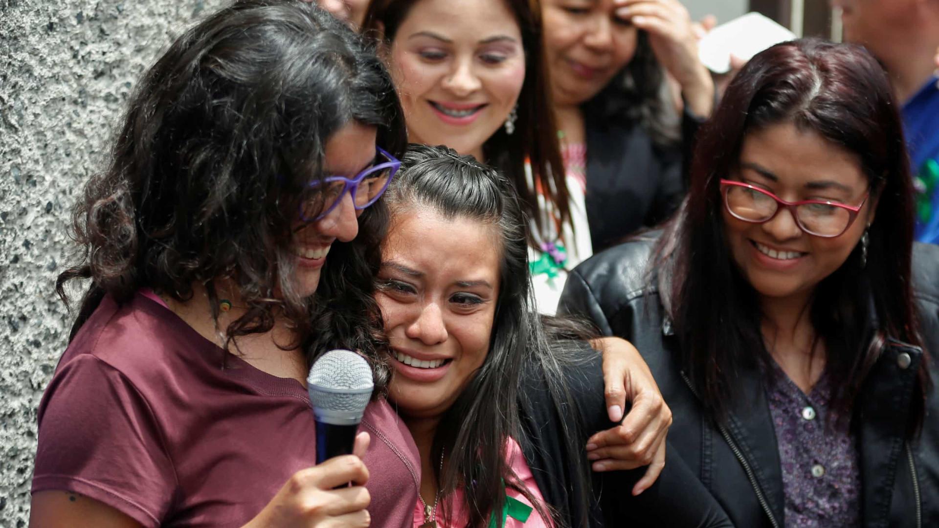 Vítima de violação acusada de homicídio devido a aborto foi ilibada